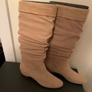 Brand new Bard Tender Kenneth Cole Boots size 8.5